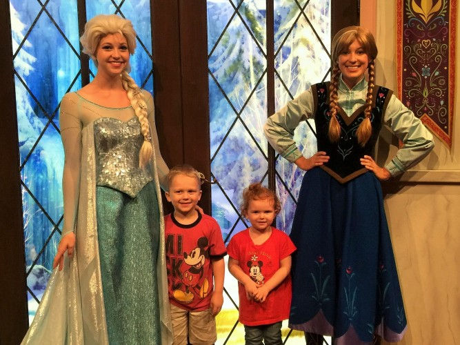 Where to meet the princesses at the disneyland resort also while not technically princesses your little princess can meet tinkerbelle and another fairy at disneyland to the right of sleeping beauty castle m4hsunfo